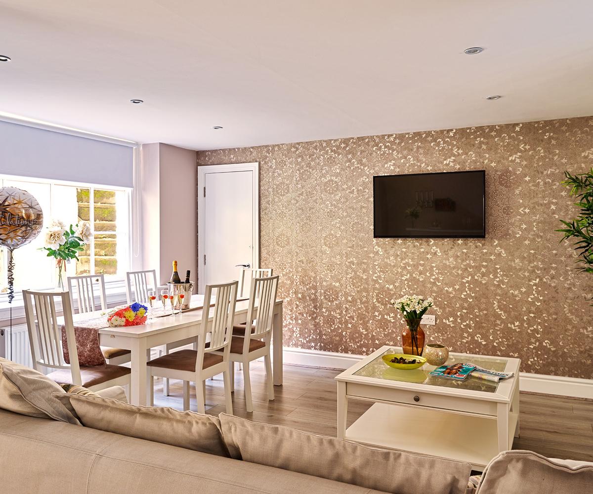 1722 Albert Street Apartments: Luxury Basement Apartment